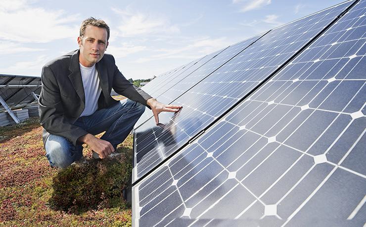 Photovoltaik-Anlagen vor Ort