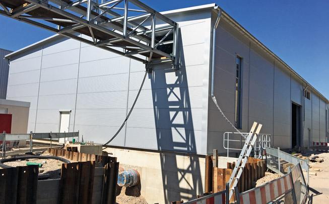 Technikgebäude für die Be- und Entladung des Energie- und Zukunftsspeichers